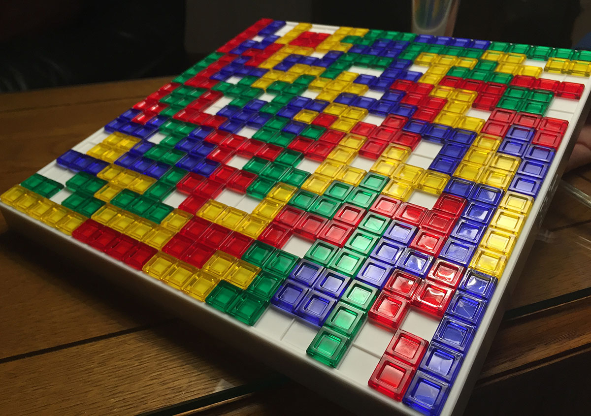 A finished game of Blokus with every single piece used up